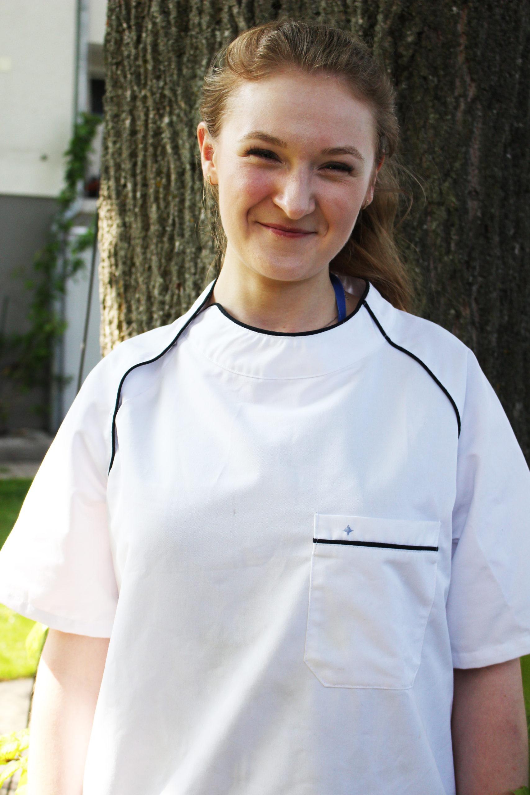 """Gacek Karolna Anlernling zur Köchin, und jüngste Tochter von Mysyk Elisebeth """"Ella"""" unserer Köchin die seit 21 Jahre im Restaurant am Heuberg für Sie kocht."""