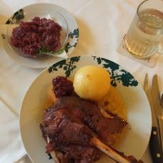 Restaurant Heuberg Wiener Küche und Indische Speisen im Original Schutzhaus Hernals Wien 1170 Saisonale Speisen Ganslessen